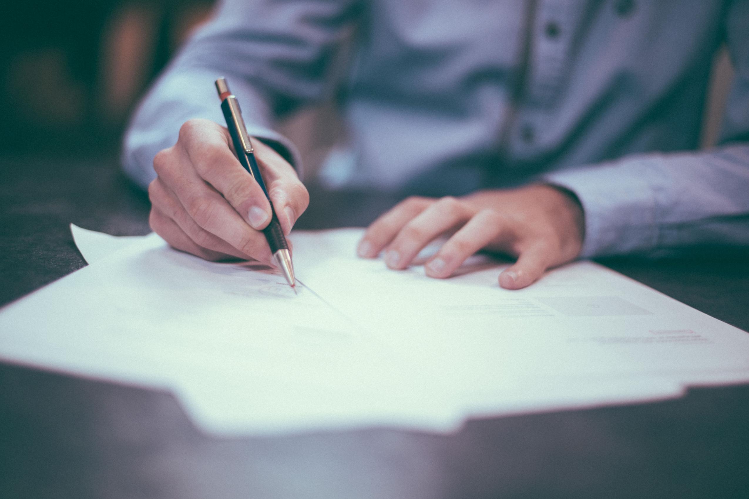 Odio a la Profeco Vol. II: los contratos de registro obligatorio